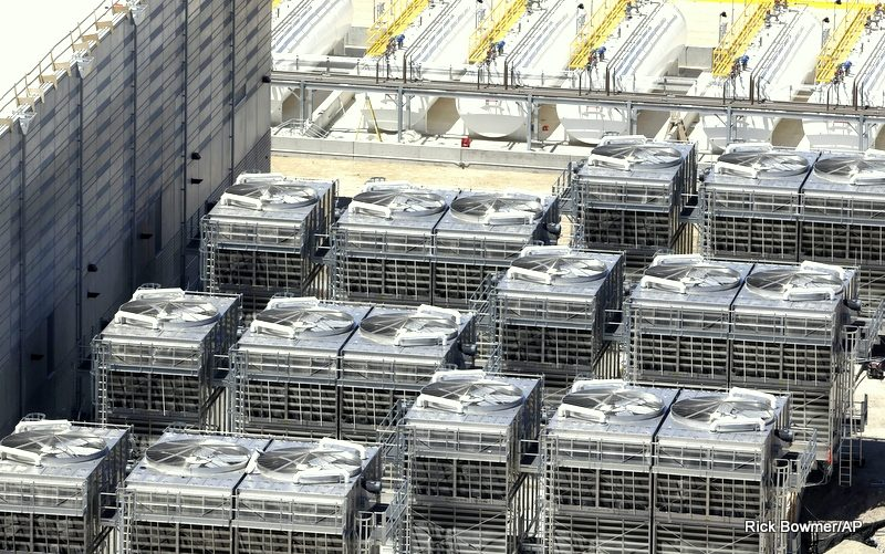 """Report: """"Critical Action"""" Needed To Fight Enormous Energy Waste At Data Centers"""