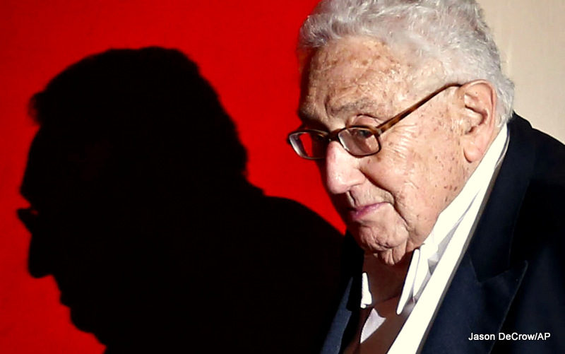 The Obama Administration Just Gave Warmonger Henry Kissinger The Distinguished Public Service Award
