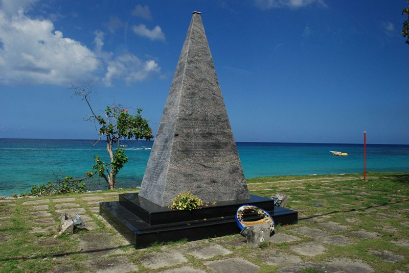 A memorial erected in recognition of the 73 people who were killed in the crash of Cubana Flight 455 just off the coast of Bridgetown, Barbados, in early October 1976. The terrorists responsible for the attack live freely in the U.S., with support from our government and Cuban-Americans like Marco Rubio. (Wikimedia Commons / Bernd-Christian Fuhrmann)