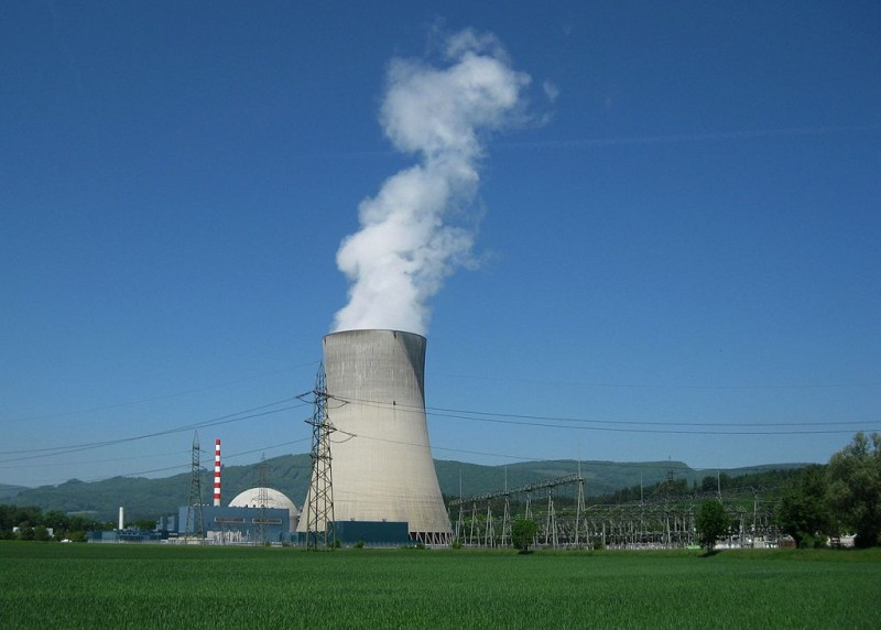The Gösgen Nuclear Power Plant in Solothurn, Switzerland, photographed here on May 24, 2010,  was one of four nuclear power plants recently deactivated for repairs. (Flickr /  Ch-info.ch)