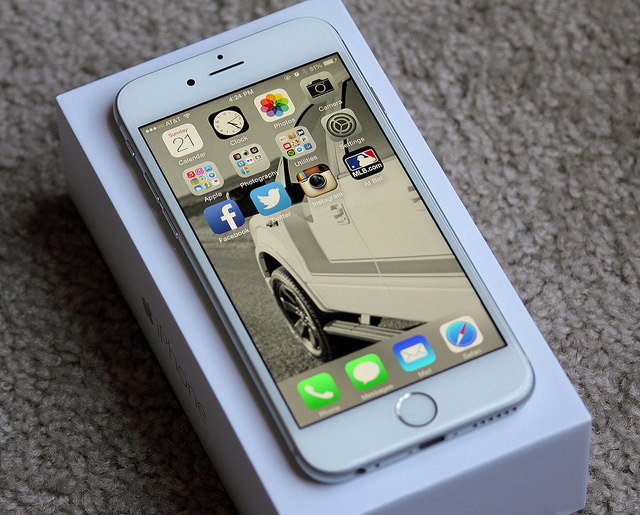 VIDEO: Finally, An Honest Review Of The iPhone 6: The iSlave6