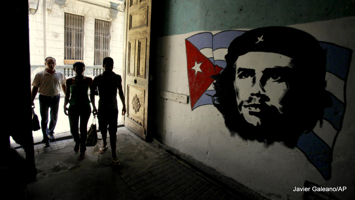 """Daughter Of Cuban Revolutionary Che Guevara: """"The West Has No Idea What A Dictatorship Is"""""""