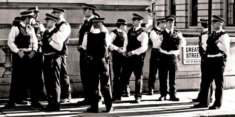A group of London's Metropolitan Police force in uniform. (Flickr  / Ramon Rosati)