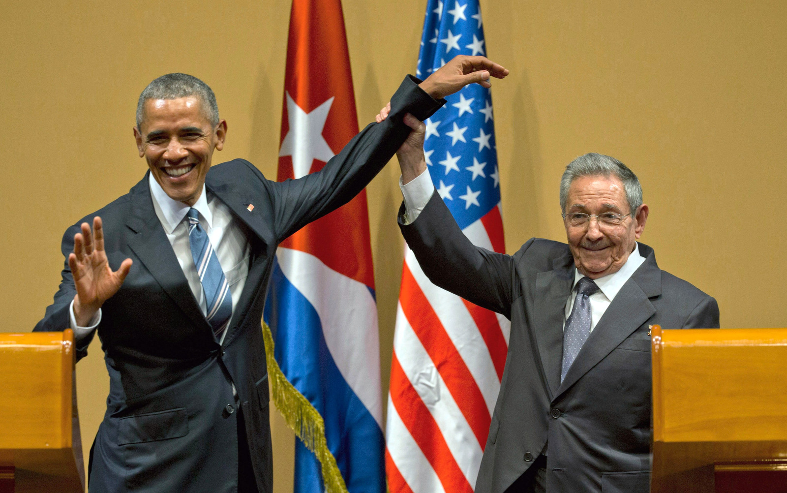 Obama, Castro Lay Bare Tensions On Embargo, Human Rights