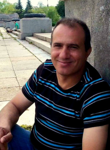 Well-known Palestinian political prisoner Omar Nayef Zayed was found dead inside the Palestinian Authority's embassy (Photo:freeahmadsaadat.org)