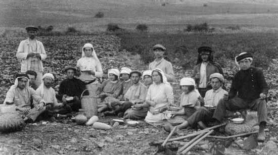 Early Zionist pioneers at Kibbutz Migdal (1912)