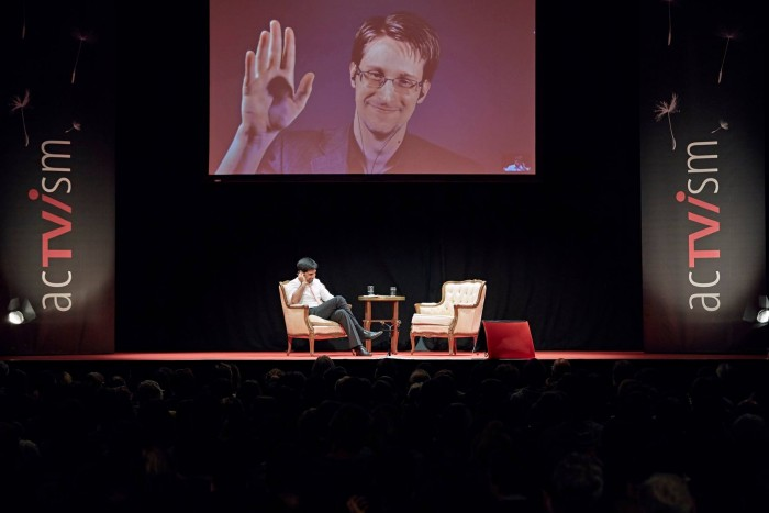 Video: Media Blacks Out Edward Snowden's Talk On COINTELPRO & History Of Mass Surveillance