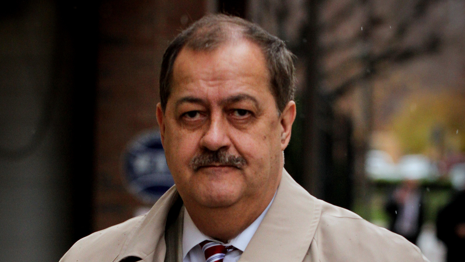 Former Massey Energy CEO Don Blankenship makes his way out of the Robert C. Byrd U.S. Courthouse during a break in deliberations, Dec. 1, 2015. (AP/Tyler Evert)