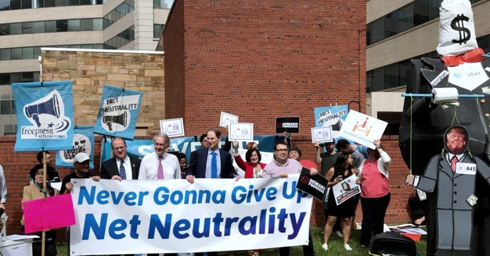 FCC Votes To Start Slashing Net Neutrality Protections