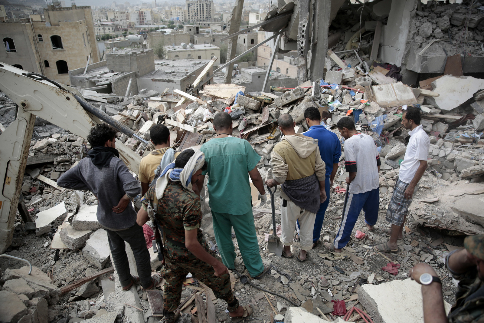 Yemeni Leaders Losing Confidence in UN as Negotiations Falter and Saudi Airstrikes Continue