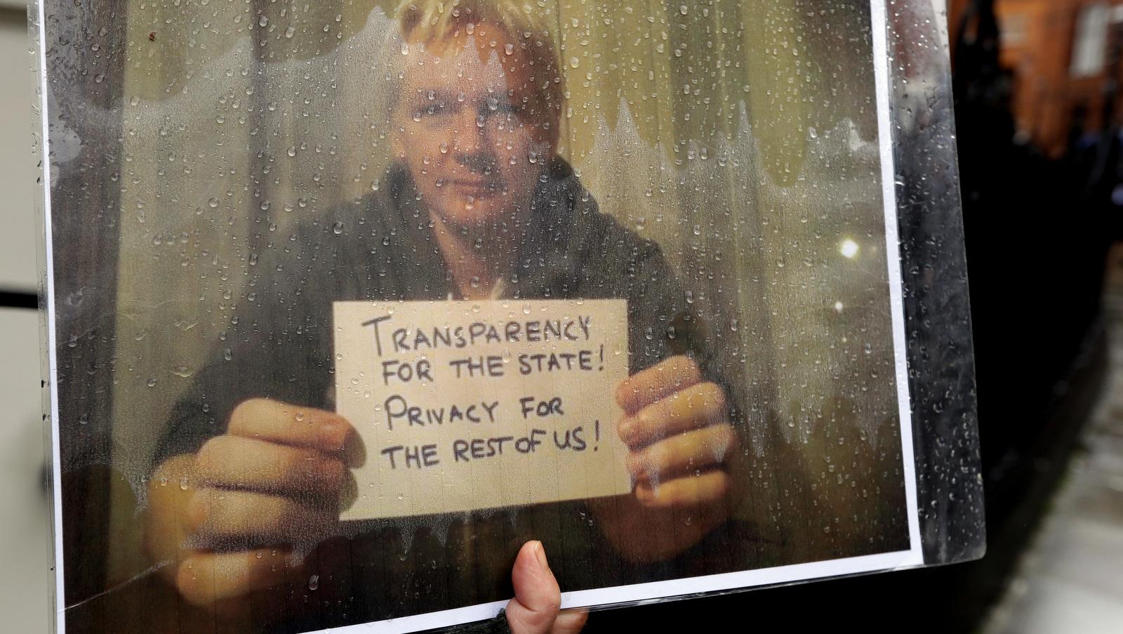 Ecuador Continues Playing Hardball With Julian Assange