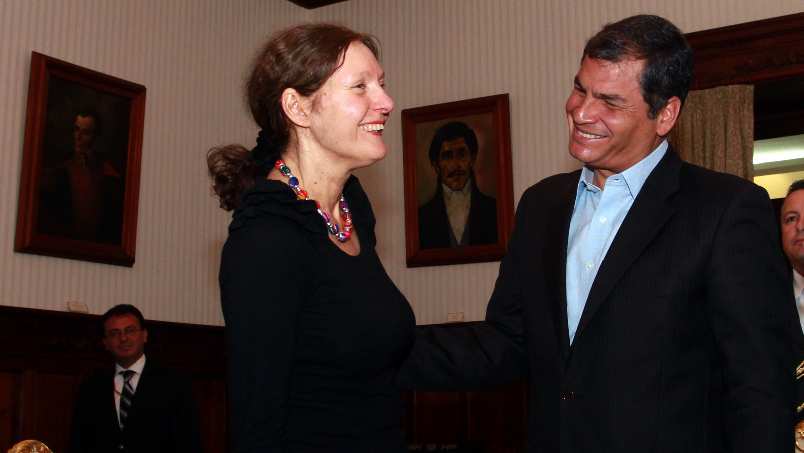 Rafael Correa meets with Christine Assange, the mother of WikiLeaks founder Julian Assange in Quito, Ecuador, Aug. 1, 2012. (AP/Martin Jaramillo)
