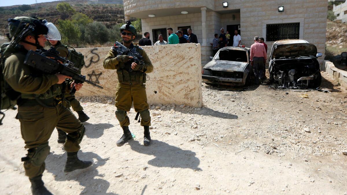 "Israeli NGO: Israeli Soldiers, Settlers Conducting ""Joint Assaults"" on Palestinian Village"