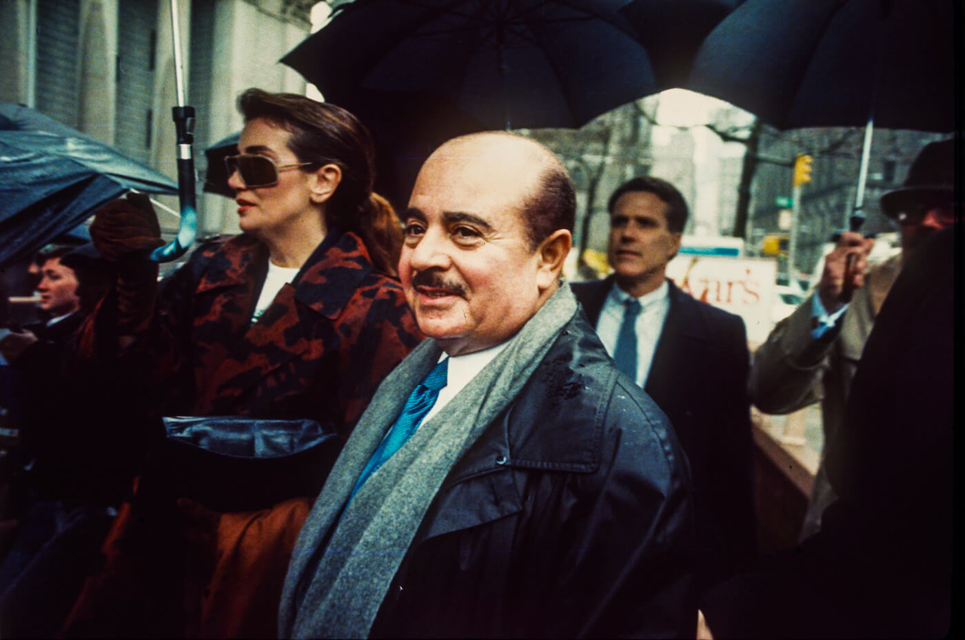 Saudi arms deale Adnan Khashoggi arrives at Manhatten Federal Court, New York, April 4, 1990. Photo | AP