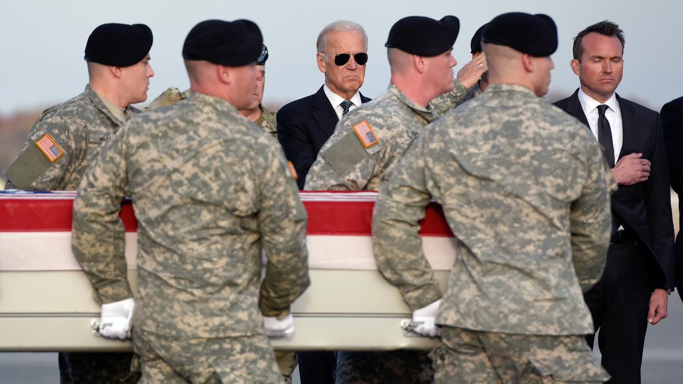 Los equipos de política exterior de Biden apuntan a una guerra con China, un conflicto con Rusia