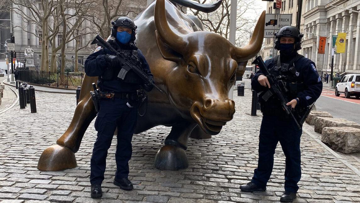 纽约警察局部署反恐部门保护华尔街,以应对Gametop抗议