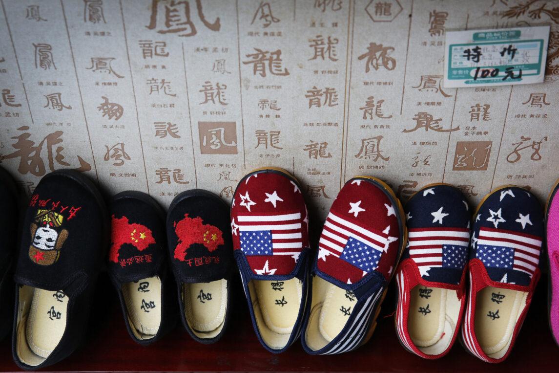 После лет пропаганды американские взгляды на Россию и Китай достигли исторического минимума